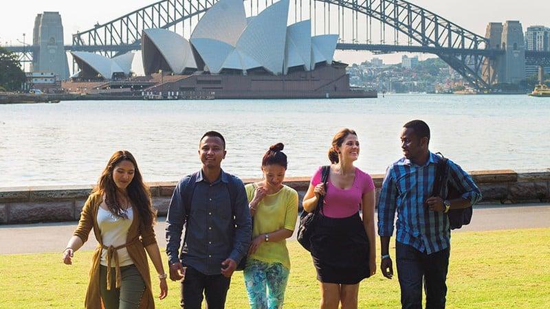 Sang Úc định cư: Lý do khiến người Việt dù 'giàu hay nghèo' cũng muốn sang Úc cho bằng được