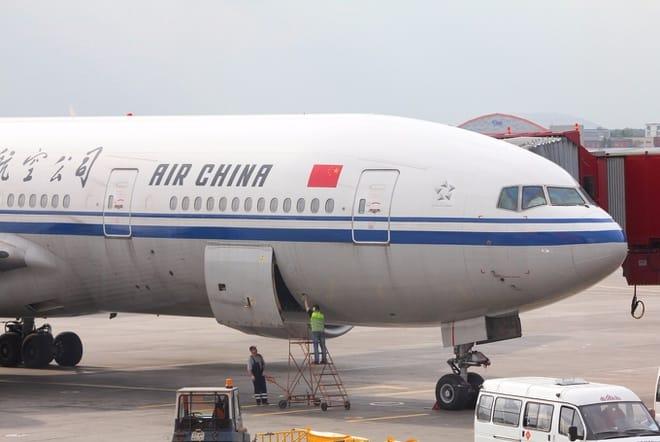 Phap han che so chuyen bay tu Trung Quoc anh 1